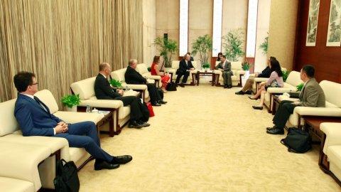 Contship visits China Shipping HQ