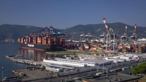 La-Spezia-Container-Terminal-Maiden-call-Salahuddin